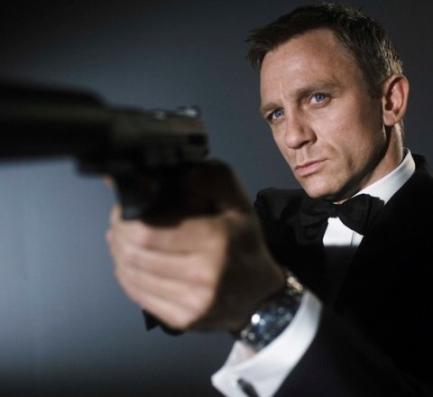 Entertainment-News article about Daniel Craig to return as James Bond