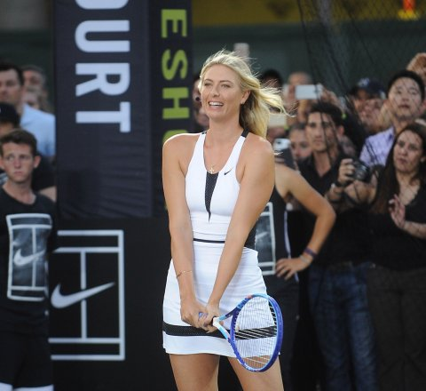 Sport article about sharapova denies doping