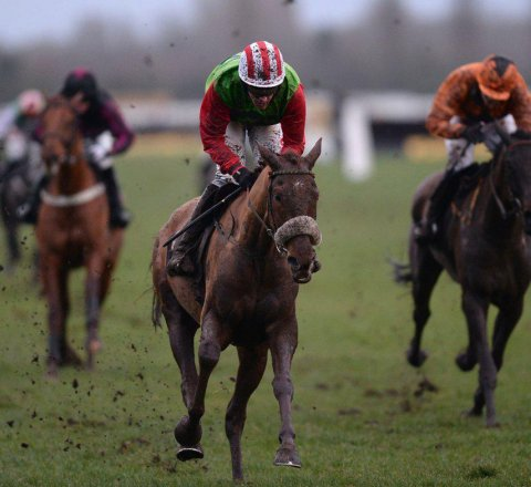 Sport article about Definitly Red Out For Grand National Redemption