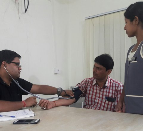 Health article about health camps for journalists in india