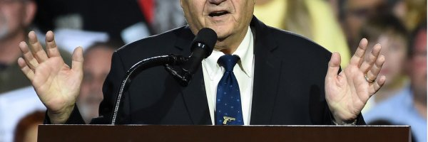 article about arpaio still believe obama is from kenya