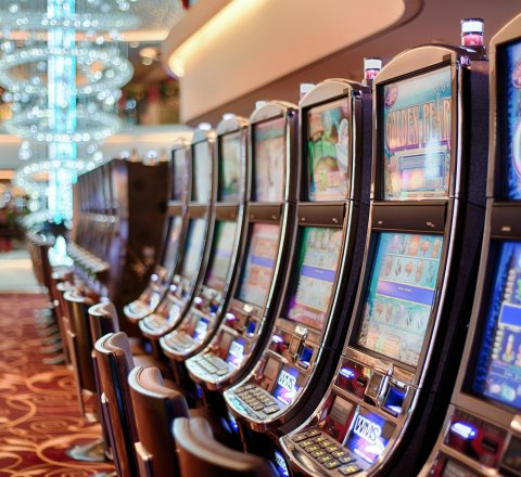 Entertainment article about Is it possible to win with slots?