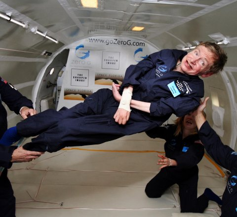 Breaking-News article about stephen hawking dead at 76