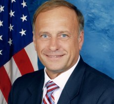 Breaking-News article about steve king thinks google is iphone
